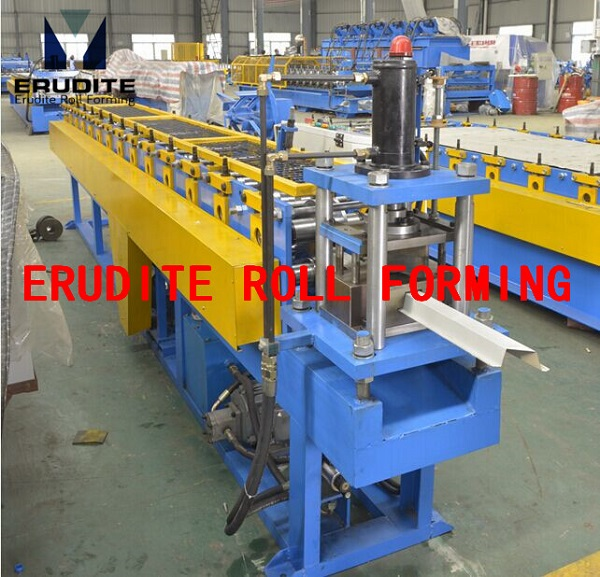 TS40 ROLL FORMING MACHINE FOR TOPHAT PROFILE WITH ANGLE CUT